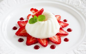 plate,desert,Strawberry