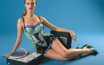 old stereo,beauty,sound box,pretty,Bombino,beautiful,Lingerie,thigh,disco,blonde
