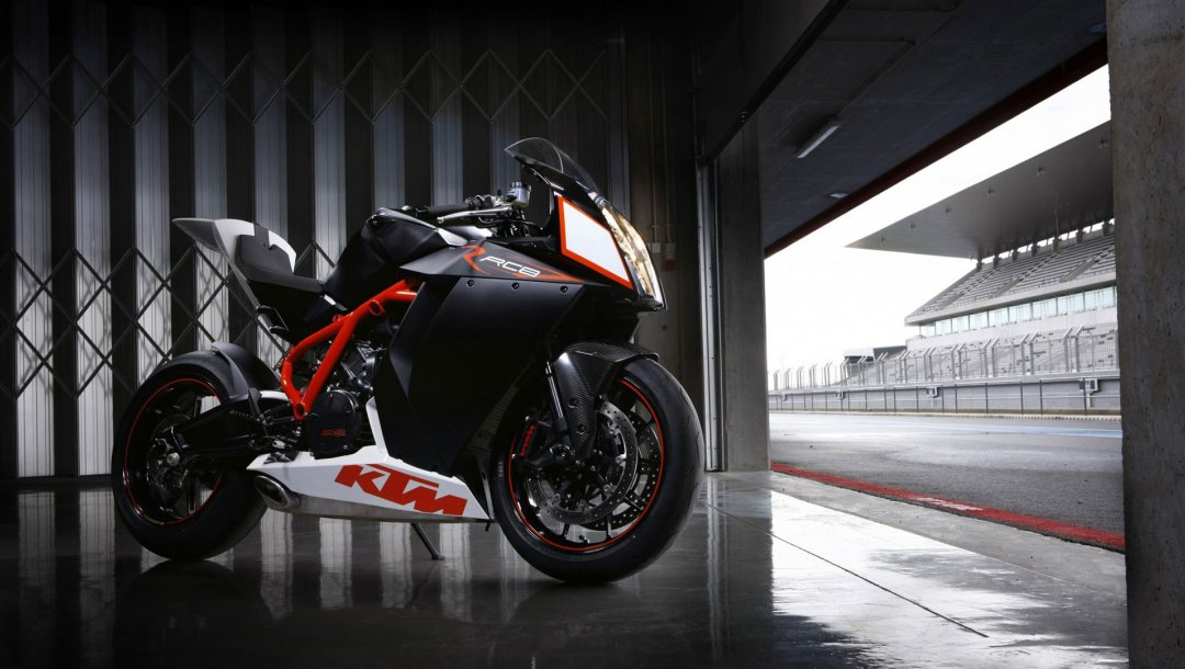 motorcycle,rc8