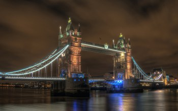 london,at,bridge