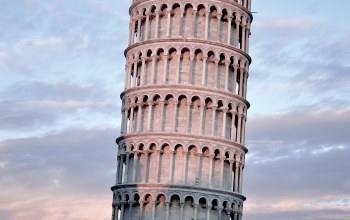 pisa,dusk,leaning,of,tower,at