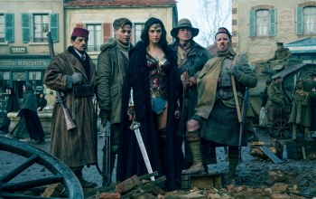 gal gadot,wonder woman,film,army,uniform,rifle,armor,tank,dc comics,League of Justice,gun,wwii,weapon,Themyscira,pose,brunette,Shotgun,gauntlet,movie,seifuku,chris pine,Batman v superman dawn of justice,sword,cinema,blade