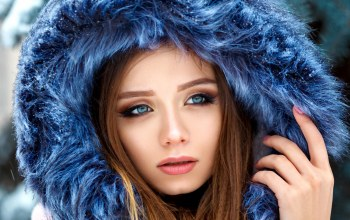 hoods,photo,Face,lips,close up,brunette,Denis Petrov,blue eyes,depth of field,long hair,portrait,photographer,straight hair,looking away,mouth,snow,girl,fur