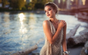 Sunset,Red lipstick,photographer,Twilight,water,bare shoulders,lips,blonde,lipstick,collected hair,Face,portrait,looking away,river,girl,dress,photo,mouth,depth of field,clear eyes,Kyle Cong