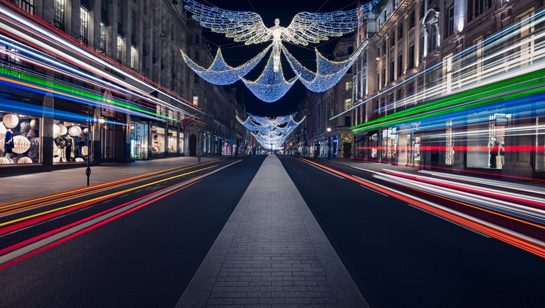symmetrical,architecture,christmas,street,festive,britain,traffic,Angels,travel,lighttrails,Road,england,decorations,Regent Street,lights,london
