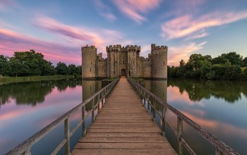 bodiam castle,East Sussex,замок