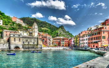 Vernazza,boats,houses,Cities,Hafen,italy,clouds