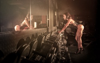 mirror,female,trainning,workout