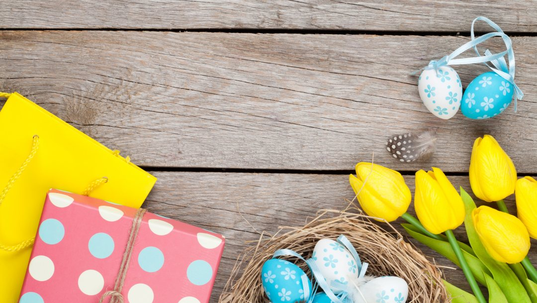 eggs,yellow,spring,happy,wood,Easter,decoration,tulips,tender