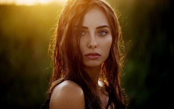 model,photographer,wet hair,Face,depth of field,profile,looking at camera,girl,brunette,long hair,looking at viewer,Ann Nevreva,bare shoulders,mouth,blue eyes,Sunset,lips,close up,portrait,straight hair,photo,strap,Natalya,Natasha