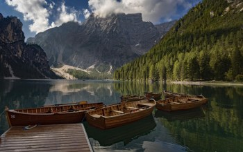лес,Pragser Wildsee,italy,Lake Braies,Прагсер Вильдсеэ,Доломитовые Альпы,лодки,озеро Брайес,(италия),пристань,South Tyrol,горы,dolomites,oзеро,южный тироль