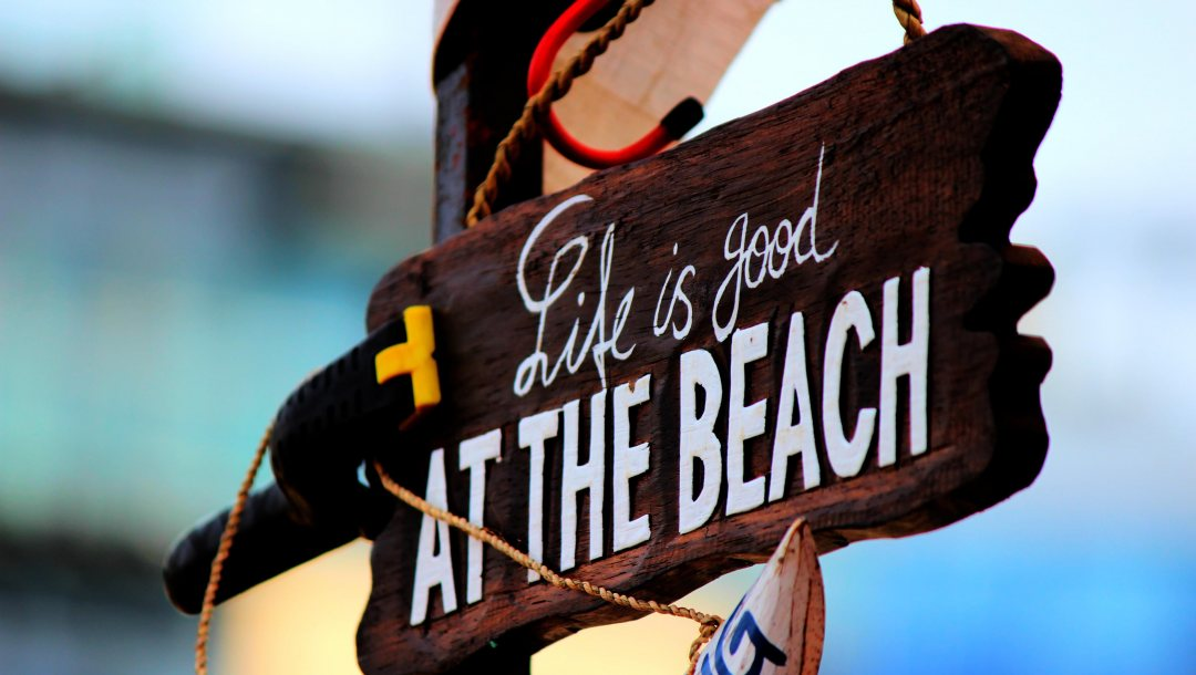 мacro,sign,beach