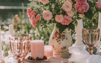 Bouquet,bokeh,blur effect,flowers,mood,Holidays,decoration,moods,candles,miscellaneous,table,roses,glasses